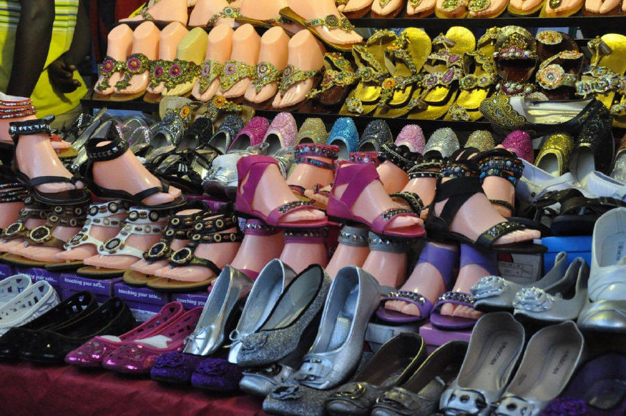 Fordsburg, shoes at the market